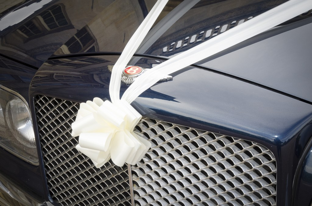 Bentley Arnarge Radiator grill with wedding day ribbons